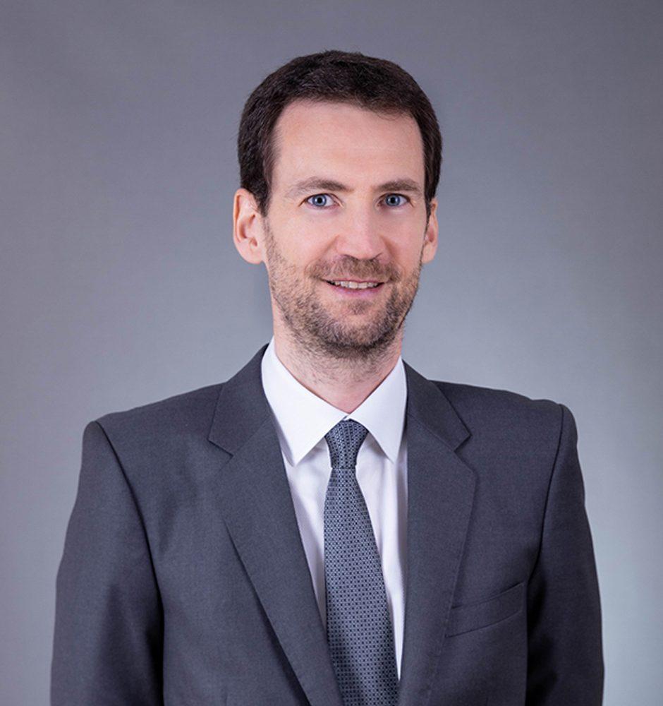 Prof. Fabrice Lumineau